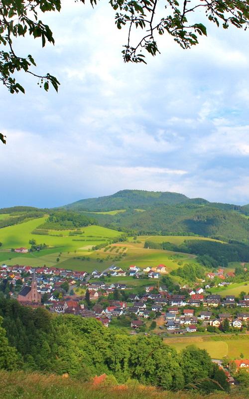 Aussicht auf Dorf Oberharmersbach
